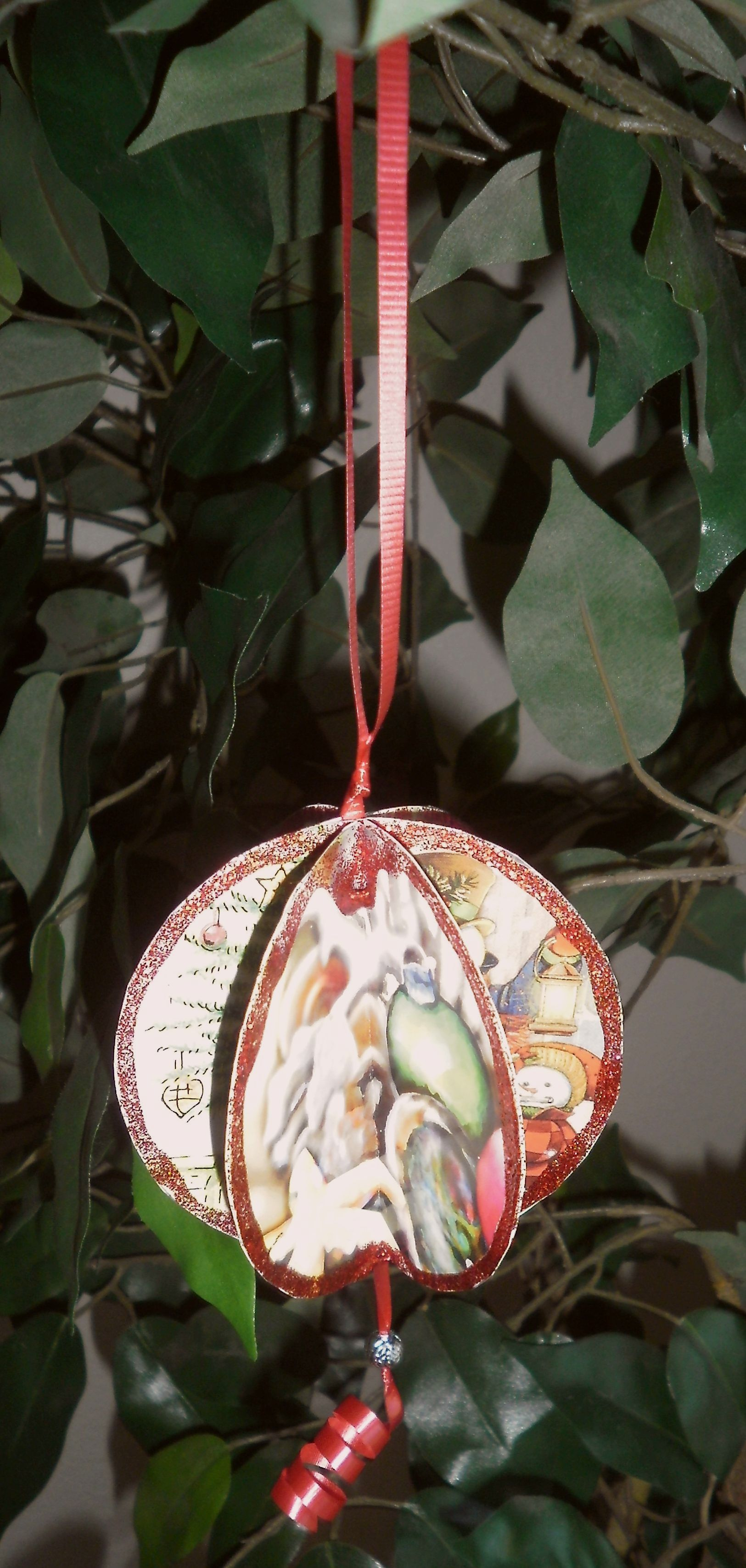 Recycle Christmas Cards – Shimmering Ornaments | Truthing It