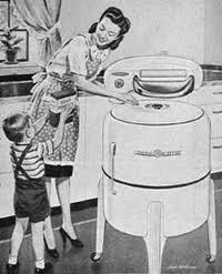 old-wringer-washing-machine